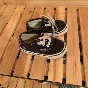 5.5 toddler black vans